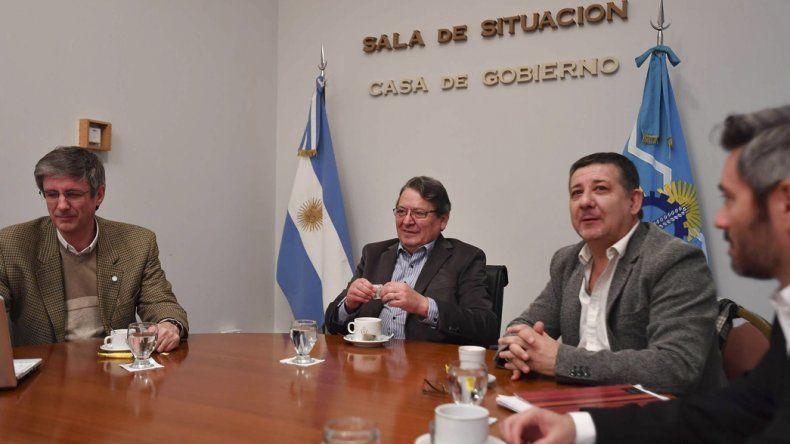 Los ministros Cisterna y Pagani recibieron ayer a Rossana Artero y Sergio Ongarato (foto).
