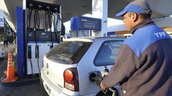 La nafta llegaría a $50 el litro en poco tiempo