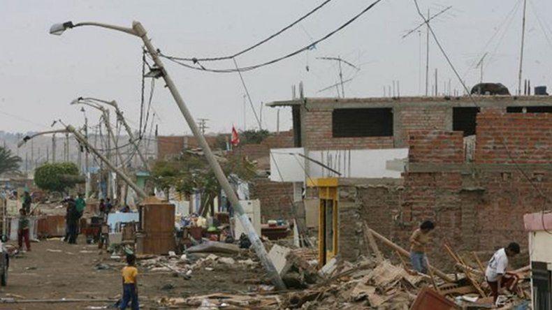Al menos nueve muertos y 40 heridos por un sismo en Arequipa