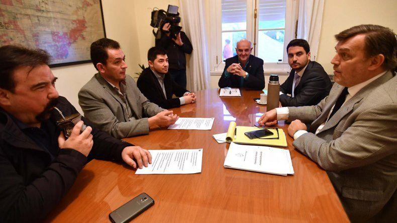 La reunión que los representantes provinciales mantuvieron hace una semana con el Movimiento Vecinal Gaiman.