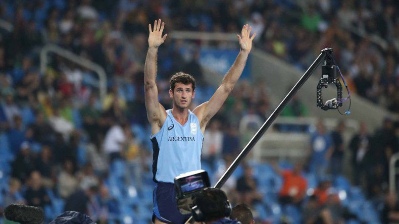 Germán Chiaraviglio se mostró muy feliz a pesar de no haber logrado una medalla en salto con garrocha.