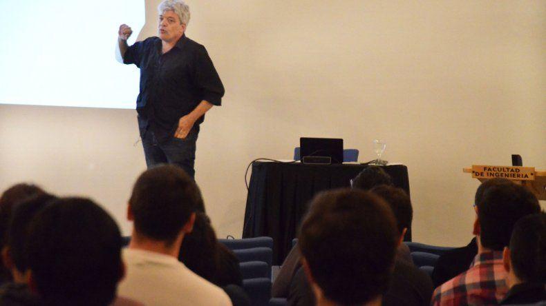 En el auditorio del Centro de Información Pública comenzaron las III Jornadas de Ingeniería Civil y el I Encuentro Regional de la disciplina.