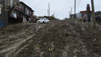 En los barrios alejados del casco céntrico se registraron grandes dificultades para transitar.