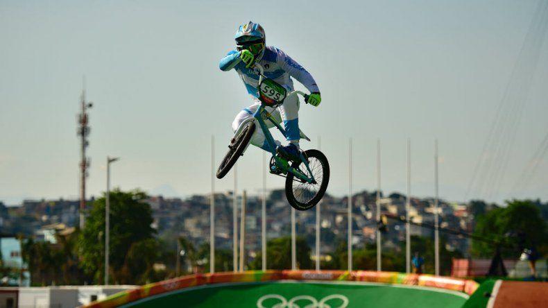 Gonzalo Molina clasificó a semifinales en BMX