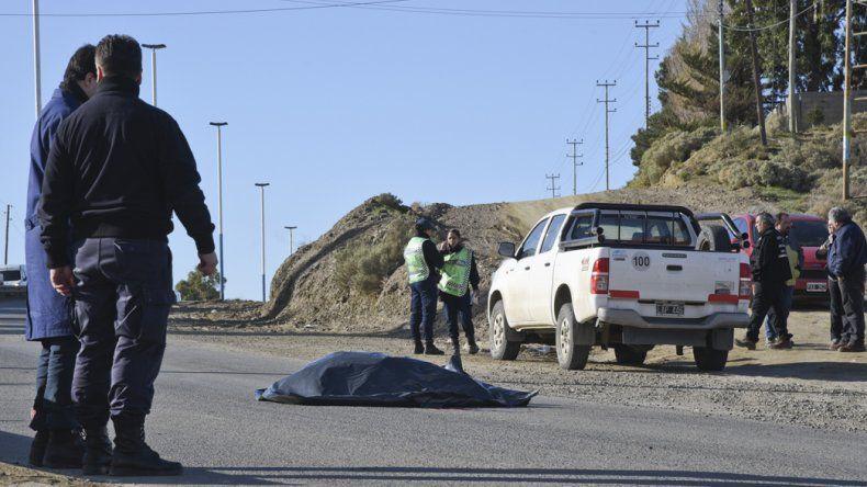 Francisco Lefin fue atropellado por una Toyota Hilux cuando intentaba cruzar al otro lado de la Ruta 3.