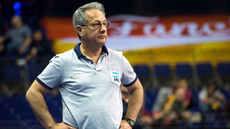 El entrenador Julio Velasco seguirá al frente de la selección argentina de vóleibol masculino.