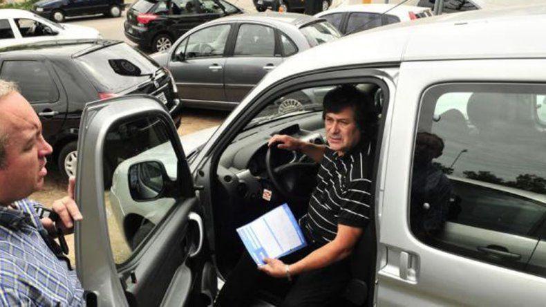 Cayeron las transferencias de vehículos en Chubut en el primer semestre del año