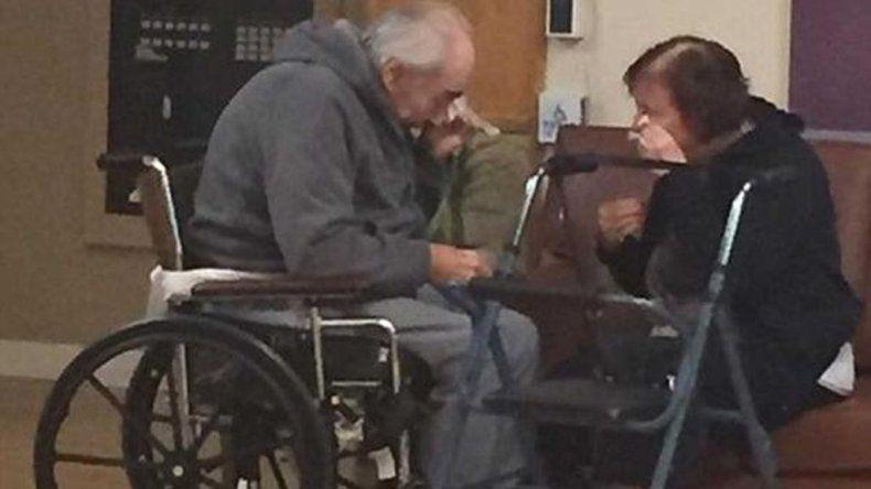Llevan 62 años de matrimonio y los obligaron a separarse