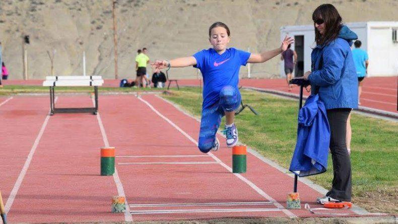Las pruebas de la competencia atlética se iniciarán a las 14 en la pista de solado sintético.