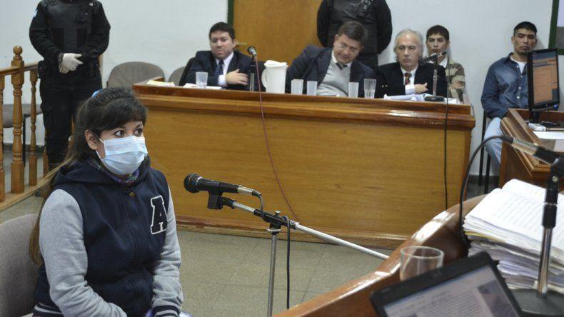 Florencia Narváez dijo ante los jueces que ella solo le quitó el cajón de cervezas al adolescente Jorge Muñoz