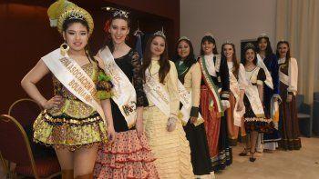 Hoy se coronará a la nueva soberana de la Federación de Comunidades Extranjeras de Comodoro Rivadavia entre nueve candidatas.