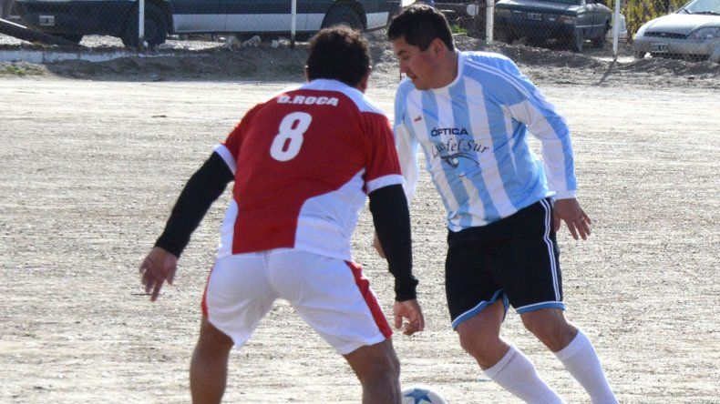 El fútbol de Veterano jugará esta tarde solamente ocho partidos y todos que están pendientes de realización.