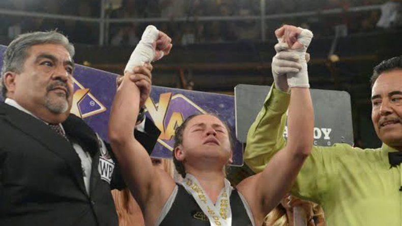 Daniela Bermúdez celebra su victoria la noche del sábado ante la mexicana Mariana Juárez.