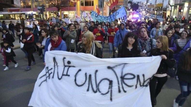 Un centenar de personas marchó para pedir justicia por Valeria Palma