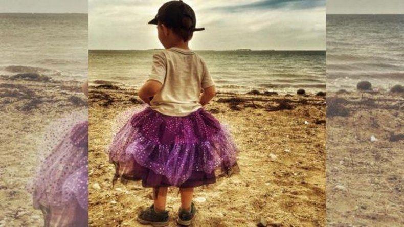 Su hijo usa tutú, la acusaron de mala madre y su respuesta fue viral