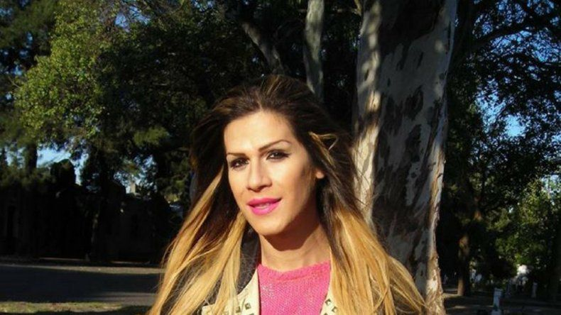 La Asociación de Héckey de Césped y Pista del Valle de Chubut le negó la participación a Jessica Millaman en el nuevo torneo amparándose en las reglamentaciones del Comité Olímpico Internacional.