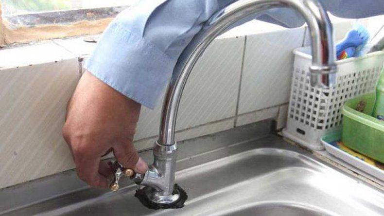 Nuevo corte de agua afecta a Km 5 y barrios de zona Sur