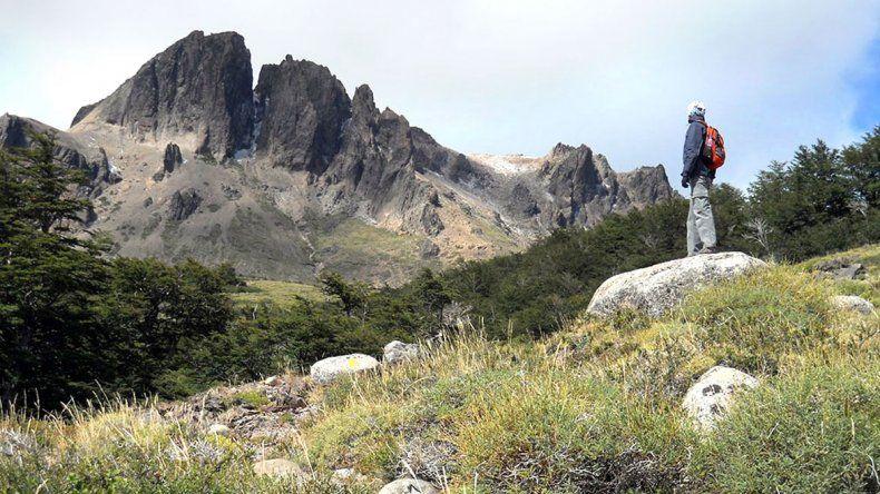 Desafío físico en cerros Negro y Monje