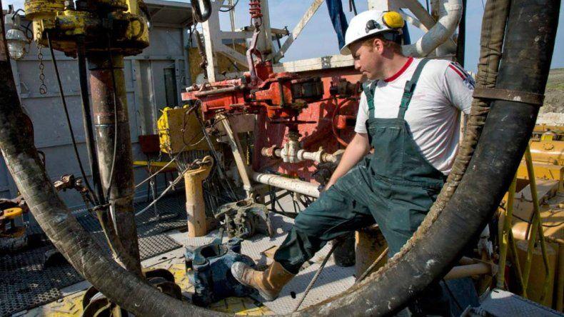 Petroleros stand by extendieron el acuerdo salarial mientras la CEOPE no reconoce los $5 mil