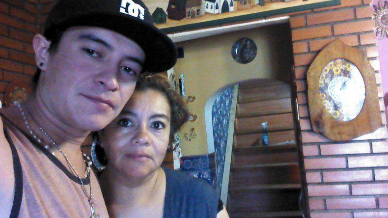 A un mes del homicidio de Matías Suárez, su primo sigue prófugo
