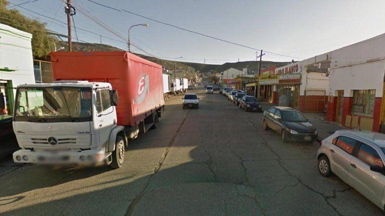 Dos detenidos por intentar llevarse bebidas alcohólicas entre sus ropas