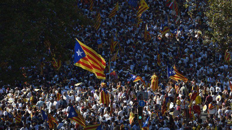 Cataluña se movilizó y Puigdemont volvió a plantear un referéndum