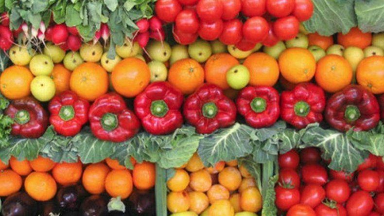 Regalarán 20 toneladas de verduras por la crisis en el sector