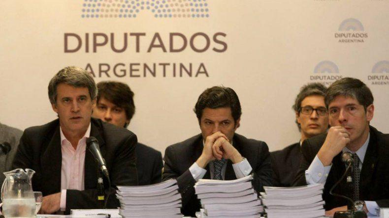El ministro de Hacienda Alfonso Prat-Gay en la presentación que realizó durante la última semana en la comisión de Presupuesto de la Cámara de Diputados.