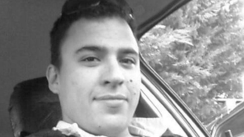 Gustavo Germán Gerez tenía 29 años. Por causas que son materia de investigación murió en la madrugada del domingo en la Seccional Primera de Policía de Caleta Olivia.