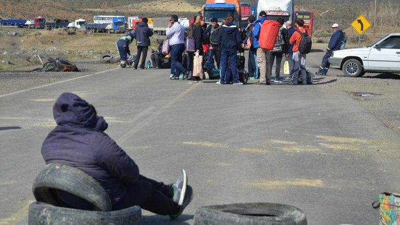 Camioneros que estuvieron varados durante varias horas en la ruta