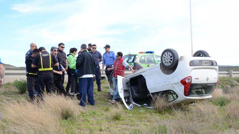 El conductor del vehículo se mostró agresivo con quien se le cruzara por el camino luego del accidente en el que salió ileso.