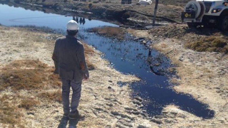 Un derrame de 192 metros cúbicos de petróleo afectó a Cerro Dragón