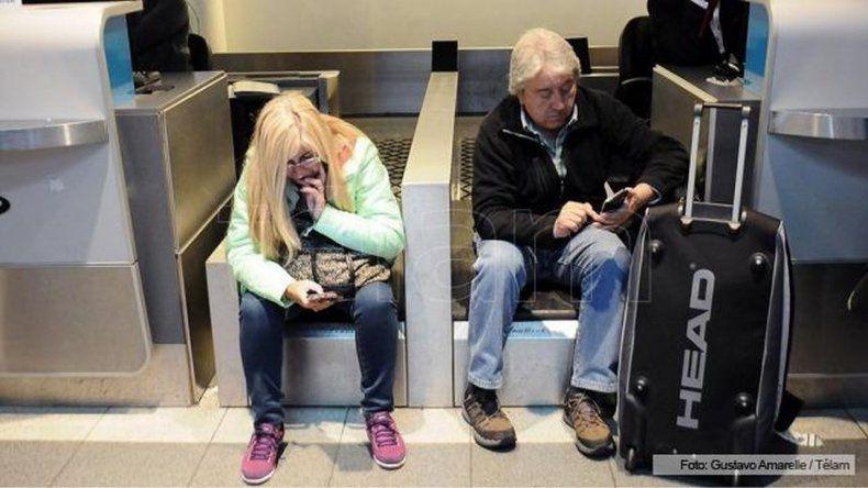 Se normalizan los vuelos tras el paro de maleteros