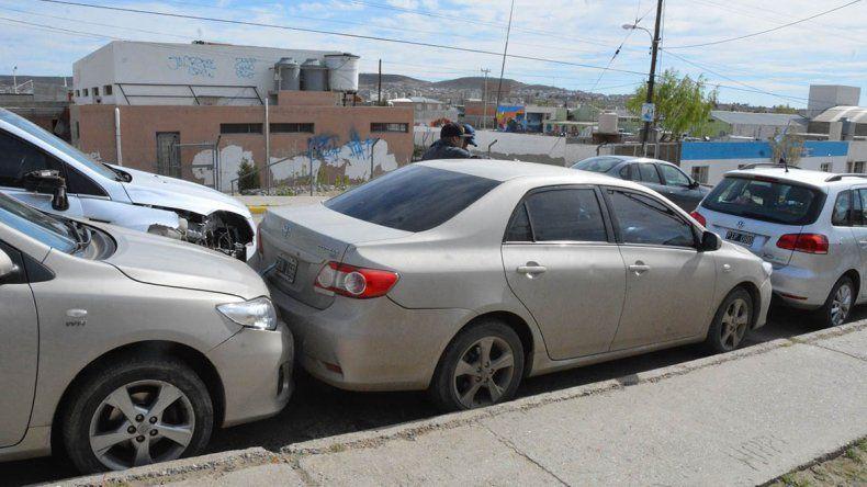 Provocó choque de cinco autos, intentó escapar y fue detenido por tener droga