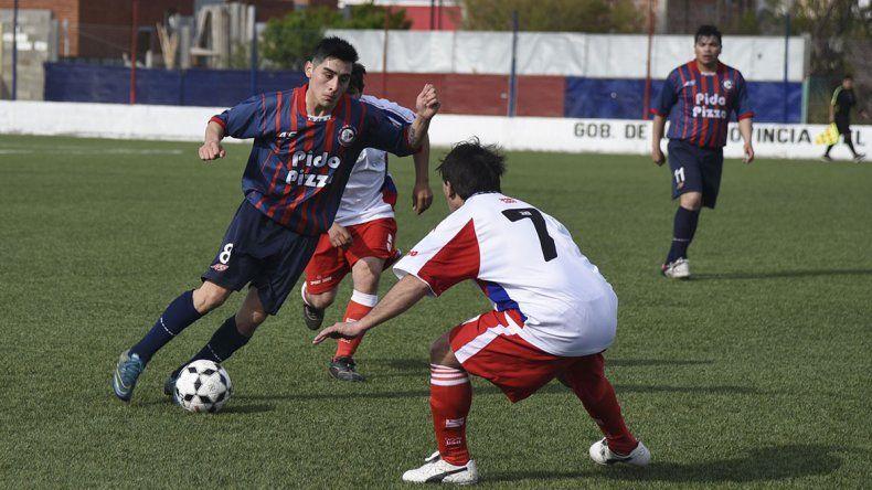 Damián Ruiz anotó dos goles en el triunfo de USMA sobre Diadema