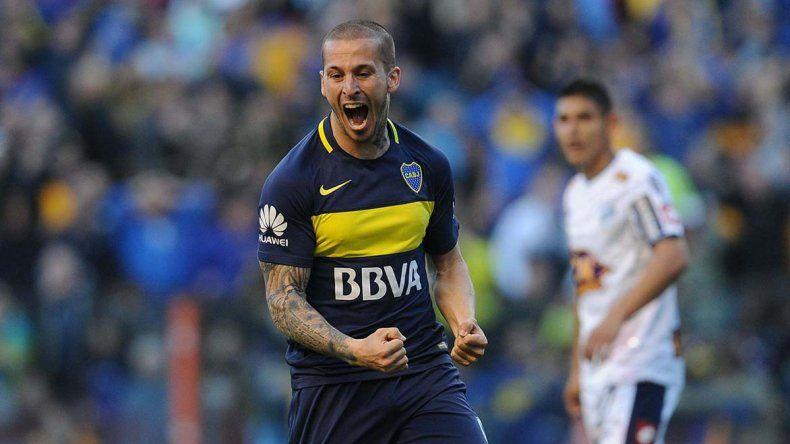 Darío Benedetto tuvo su tarde soñada ayer en Boca al marcar tres goles.