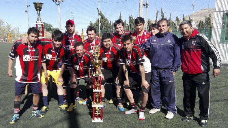 Comercial Maderas fue subcampeón.