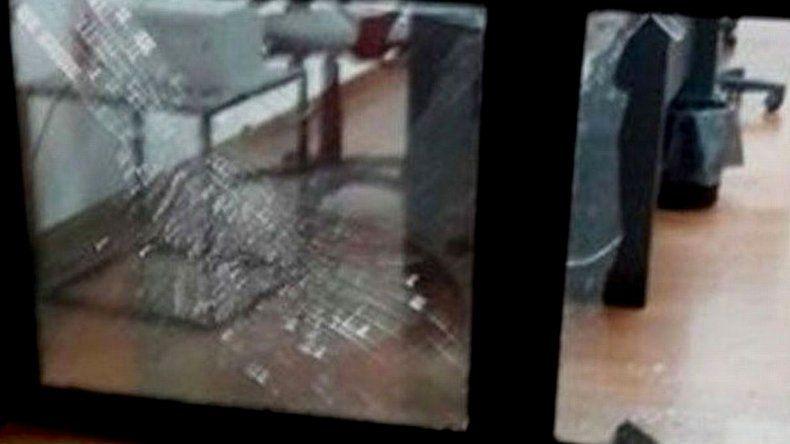 Explotó una granada en la sede de Newells
