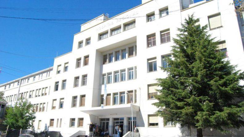 Personal de salud en alerta y movilización por cuatro despidos en Comodoro
