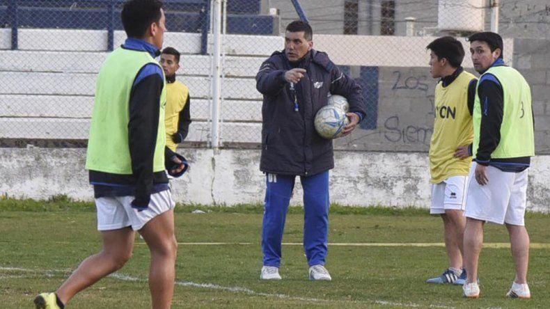Jorge Newbery utilizará el estadio municipal y Franco Asencio podría ir desde el arranque.