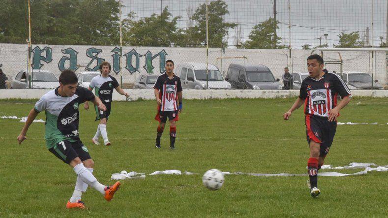 Florentino Ameghino viene de empatar 1-1 con Petroquímica en Kilómetro 8.