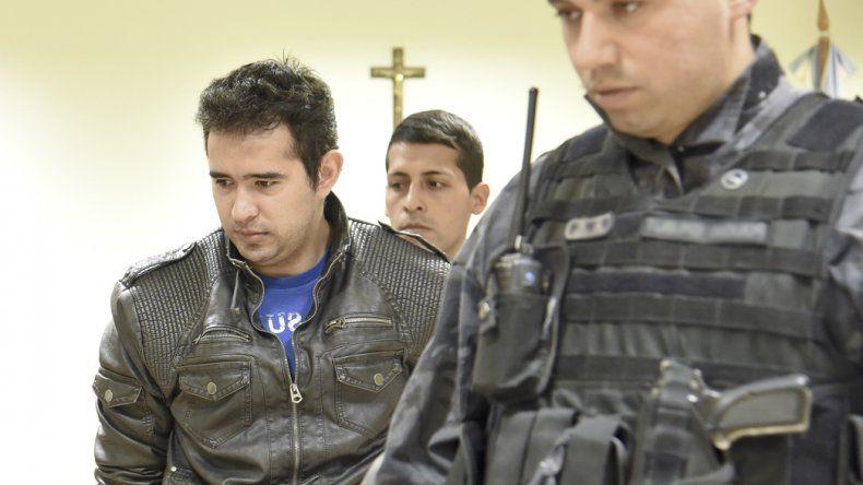 El oficial Pedro Lázaro Benítez fue autorizado a permanecer por tres meses en la casa de su madre para cuidarla. La mujer fue sometida a una operación.