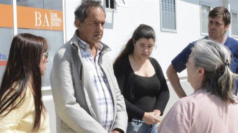 El ex candidato a Presidente dialogó con vecinos en el partido bonaerense de Castelli.