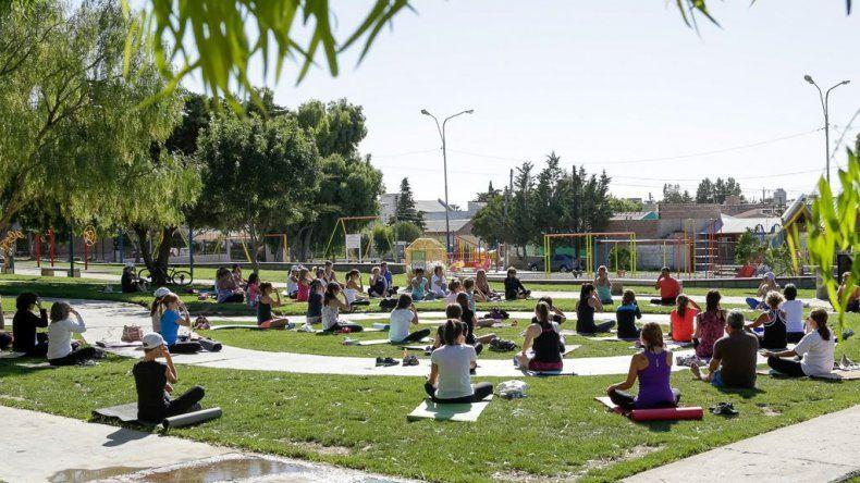 El fin de semana habrá yoga al aire libre en Rada Tilly