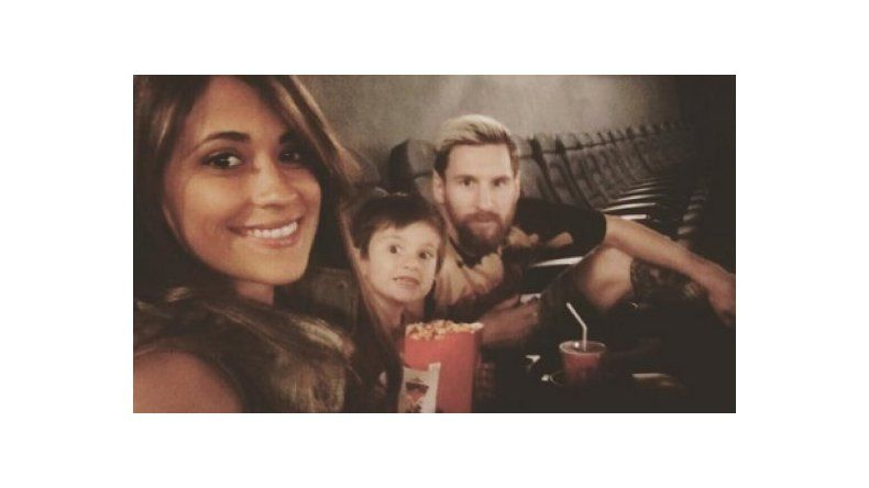 Messi y su familia, solos en el cine