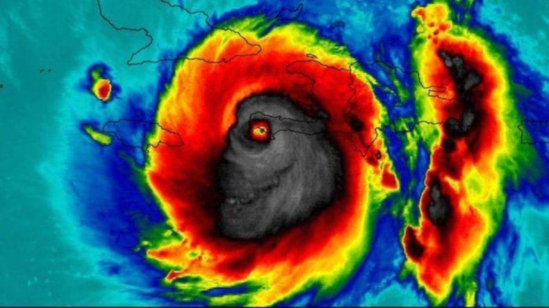 La aterradora imagen del huracán Matthew desde el espacio