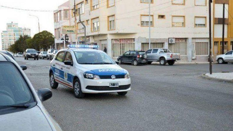 Detuvieron a dos marineros denunciados  por el robo de un teléfono en el Pietrobelli