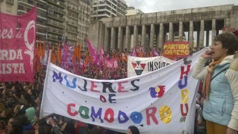 Una importante delegación de mujeres de Comodoro participó en el Encuentro Nacional celebrado en Rosario.