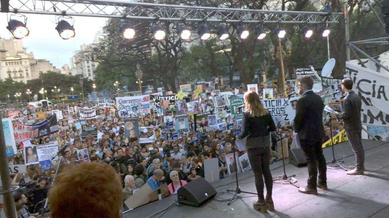 Masiva manifestación convocada por familiares de víctimas de situaciones de inseguridad.