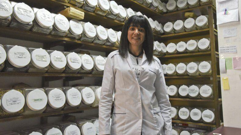 La directora técnica de la Farmacia Magistral Rodríguez